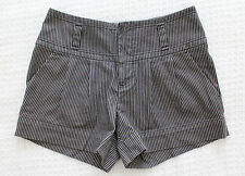 VIVIENNE TAM SZ 0 Striped Stretch Cotton Pleated Front Shorts Career Casual XS