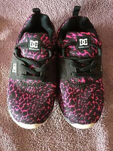 DC Shoes Pink and Black Cheetah Print Girls Size USA 12.5