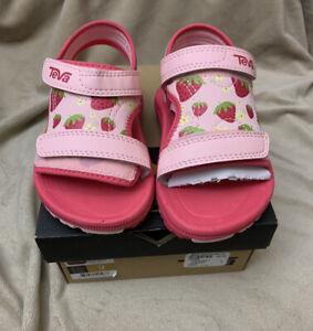 Toddler Girl Teva Strawberry Sandals Size 9