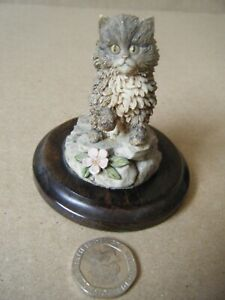 """Vintage Country Artists """"SMALL CAT FIGURINE"""" By Langford 1989. Unboxed."""