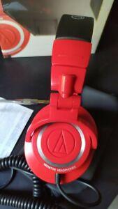 """Auriculares profesionales Audio-Technica ATH-M50 red """"edición limitada"""""""