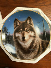 New listing Winter Solitude Portraits of the wild James Meger Signed Wolf Plate