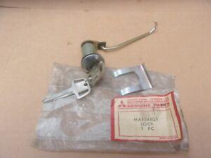 1971-1977 Dodge Colt Wagon 4 Door NOS Mitsubishi Right DOOR LOCK CYLINDER & KEYS