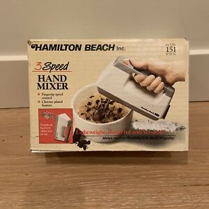 Vintage HAMILTON BEACH ~ 3 Speed HAND MIXER ~ Model 151 / White ~ NEW