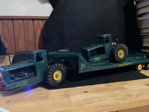 Vintage NYLINT Tournahauler Earth Moving  flat bed Construction Toy. Press steel