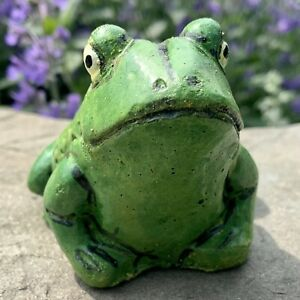 Painted Concrete Frog Statue Cement Toad Garden Figurine Cute Outdoor Figure Art