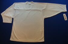 New CCM 10200 White Practice Hockey Jersey with Tag Size Large / X-Large