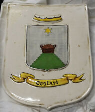 Scudetto in ceramica con stemma della famiglia Cestari dipinto a mano Deruta
