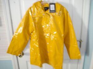 Women's Raincoat, WHO WHAT WEAR Shiny Raincoat NWT's Size Large