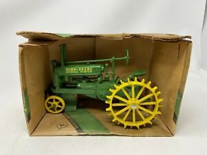 New in Box - ERTL 1934 John Deere Model A - 50th Annivers. Edition - 1:16 Scale
