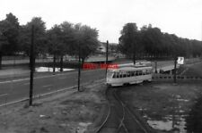 PHOTO  BELGIUM TRAM 1958 BRUXELLES-BRUSSEL  STIB PCC  TRAM   CAR ON TURNING CIRC