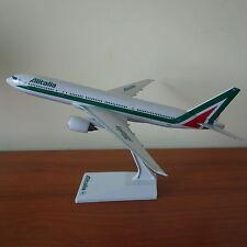 1/200 Air Alitalia Airlines Boeing B777-200 Airplane Desktop Model