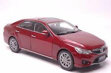 Toyota Reiz 2014 car model in scale 1:18
