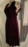 40's Victorian Vintage Style Couture Pompadour Purple Velvet Midi Dress Size Med