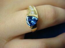 !ELEGANT TANZANITE AND CHANNEL DIAMONDS LADIES RING 3.7 GRAMS SIZE 7