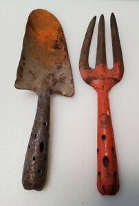 Vintage Trademark Chair Garden Tools Cultivator Trowel Shovel Pierced Handles