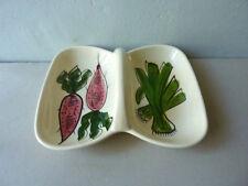 petit plat de service avec poignée, céramique décor légumes, radis et poireau