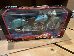 1948 Indian chief Motorcycle 1:6 Scale Die Cast Road Cruiser with stand RARE