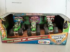 HOT WHEELS MONSTER JAM TOYS R US EXCLUSIVE GRAVE DIGGER 30TH ANNIVERSERY 3 PACK