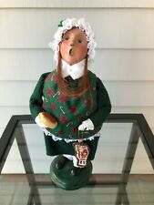 Byers Choice Caroler 2003 Girl with Holiday Smock Carrying Cookies
