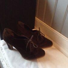 très belles  low boots ANDRE  daim veritable brun .T 36 .(1/C /F)