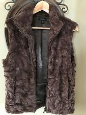 """ll Sisters Brand Choc brown Vest. Zip front Faux Fur, 22"""" lenbth.sS.pockets"""
