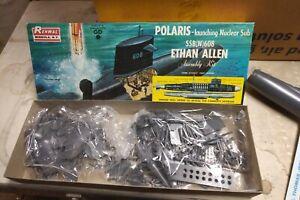 Renwal Polaris Missile Launcher Ethan Allen model submarine 1:200 - Rare!