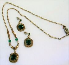 VINTAGE SADIE GREEN VICTORIAN STYLE EMERALD GREEN NECKLACE & EARRING SET LOVELY