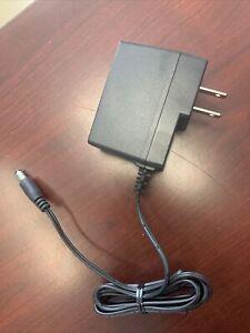 Motorola Ite Power Supply Imput 120V Output 14V. NEW.