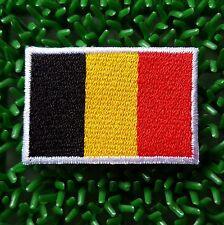 Ecusson brodé thermocollant drapeau Belge, Belgique 4,5 x 3 cm