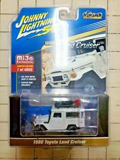 Johnny Lightning Toyota Land Cruiser White Classic Gold Collec. Mijo Exclusive