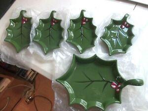 Set of 5 Temp-tations by Tara Cardinal HOLLY Serving Snack Plates New No Box