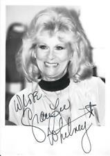 Original Autogramm Grace Lee Whitney, Echtfotopostkarte