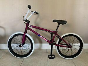 GT Performer BMX Bike mint condition transparent radberry white LP-5 Tires