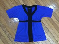 NICOLE MILLER Women's Blue / Black V Neck Blouse Top Size M