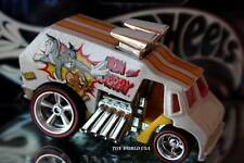 2014 Hot Wheels Hanna-Barbera Tom and Jerry Cool One Pop Culture