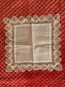 French Antique Handkerchief  - MIRECOURT lace edging on fine linon 21.cm square
