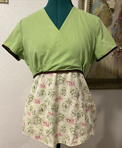 Disney Tinker Bell Scrub Top Women's Sz XS Tink Pink/Brown/Green