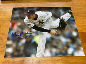 Orioles / Yankees Hall of Famer  MIKE MUSSINA  Autographed 8 x 10 Glossy Photo