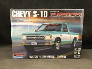Monogram Chevy S-10 The Street Sleeper Custom Pickup 1:25 SC Model Kit 85-4503