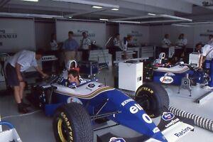 35mm COLOUR F1 PRESS SLIDE - 1990's WILLIAMS GARAGE