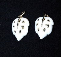 VINTAGE SARAH COVENTRY White Gold Tone Leaf Clip On Earrings EUC