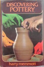 Discovering Pottery by Harry Memmott (Hardcover 1973)