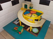 2109122 Jouet Fisher price vintage grand garage parking ramp service center
