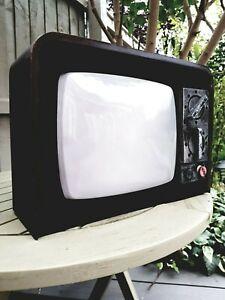 Animated Haunted Broken Television Old School TV Halloween Decoration Prop Flash