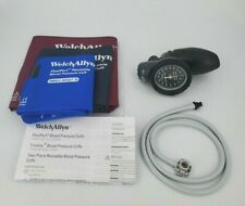 Welch Allyn DS58 Sphygmomanometer Aneroid Family Practice Kit Cuffs & Gauge