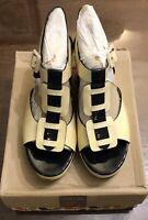 BNIB Orla Kiely Mary Shoes by Clarks Cream Size UK4
