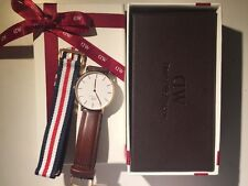 Genuine Leather Band Women's Daniel Wellington Wristwatches