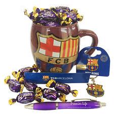 Barcelona FC Cesto Con Taza, Llavero Y Cadbury bombas de crema