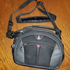 SWISS GEAR by Wenger Large Camera Case Padded Sherpa 7.5 X 4.5 X 6 Black